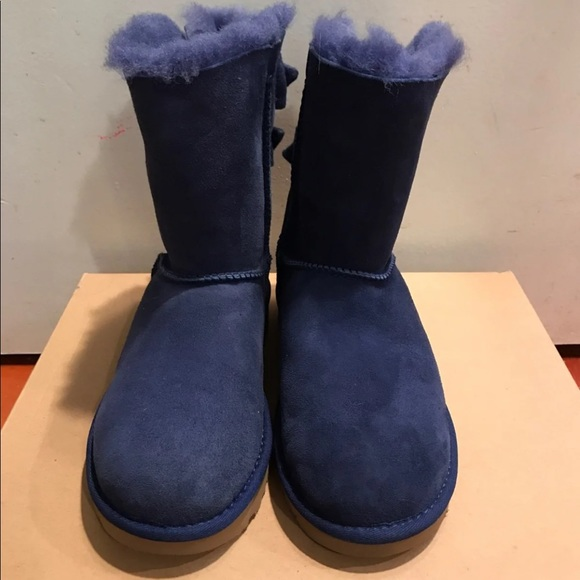 2633508598b NWB Ugg Boots Navy Blue Size 6 NWT